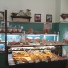 工場直売のパン・スイーツがお得な吹田・江坂「キャリーアン」が惣菜・カレーも置いていた!
