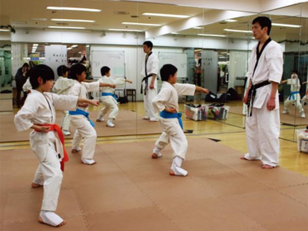 thumb-osk_191121machitopi_karate