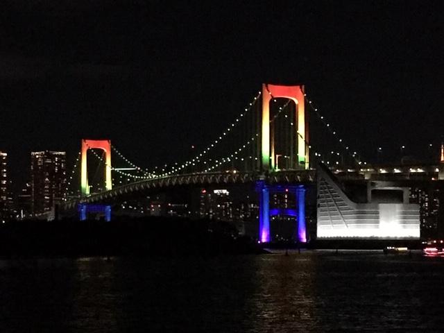 【お台場】必見!今月あと3回の花火と虹色のレインボーブリッジのコラボ♡