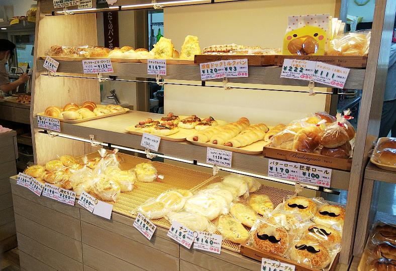 宇都宮 本格窯焼きピッツァが550円 プチトマト はリーズナブルなパンが勢ぞろい リビング栃木web
