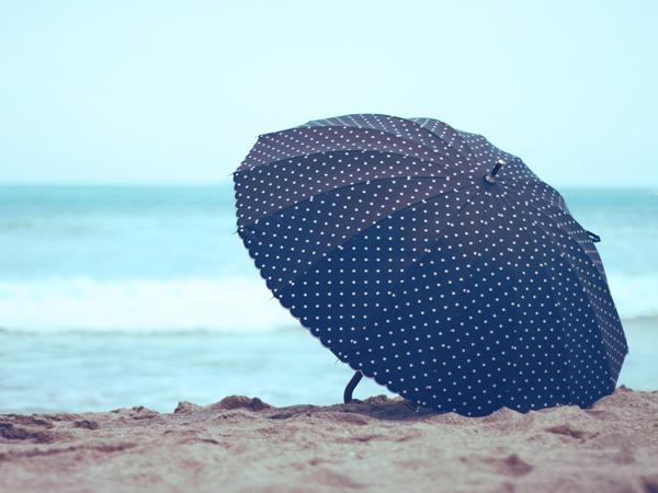 夏に日傘を使ってる?使ってない?
